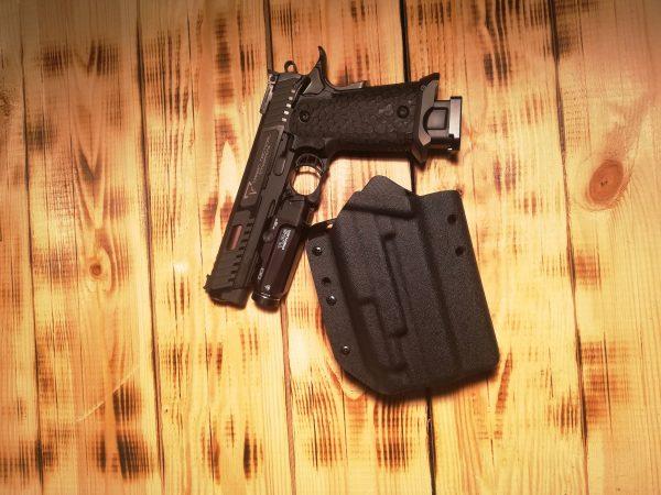 Pistolen Holster STI Combat Master mit Streamlight TLR-9